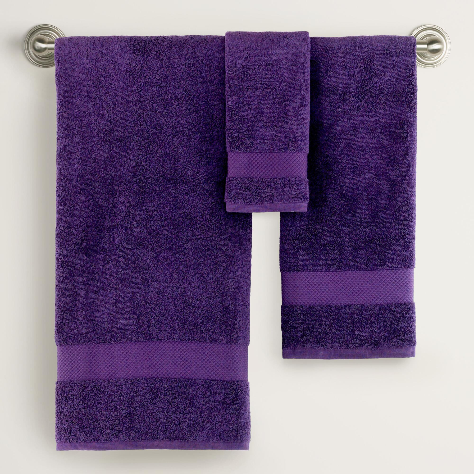 Purple bath towels and rugs 2017 2018 best cars reviews for Light purple bathroom accessories