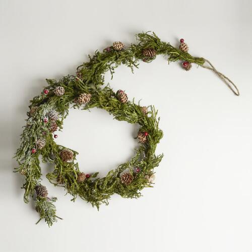 Dried Moss and Berry Garland