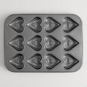 12-Cup Heart Baking Pan