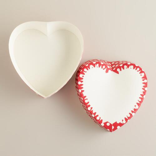 Red Dots Paper Heart Pans, Set of 6