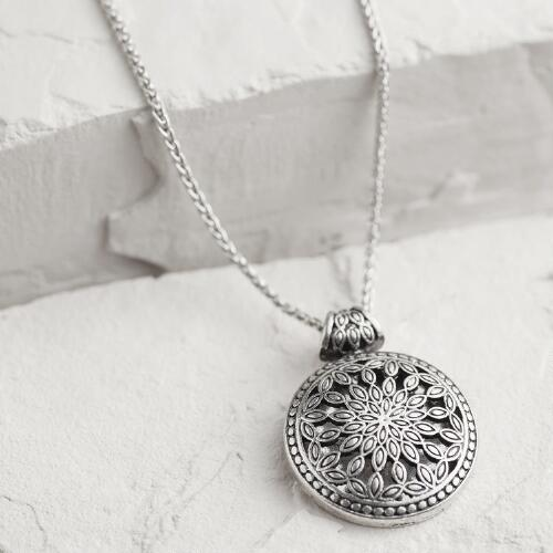 Silver Metal Flower Pendant Necklace
