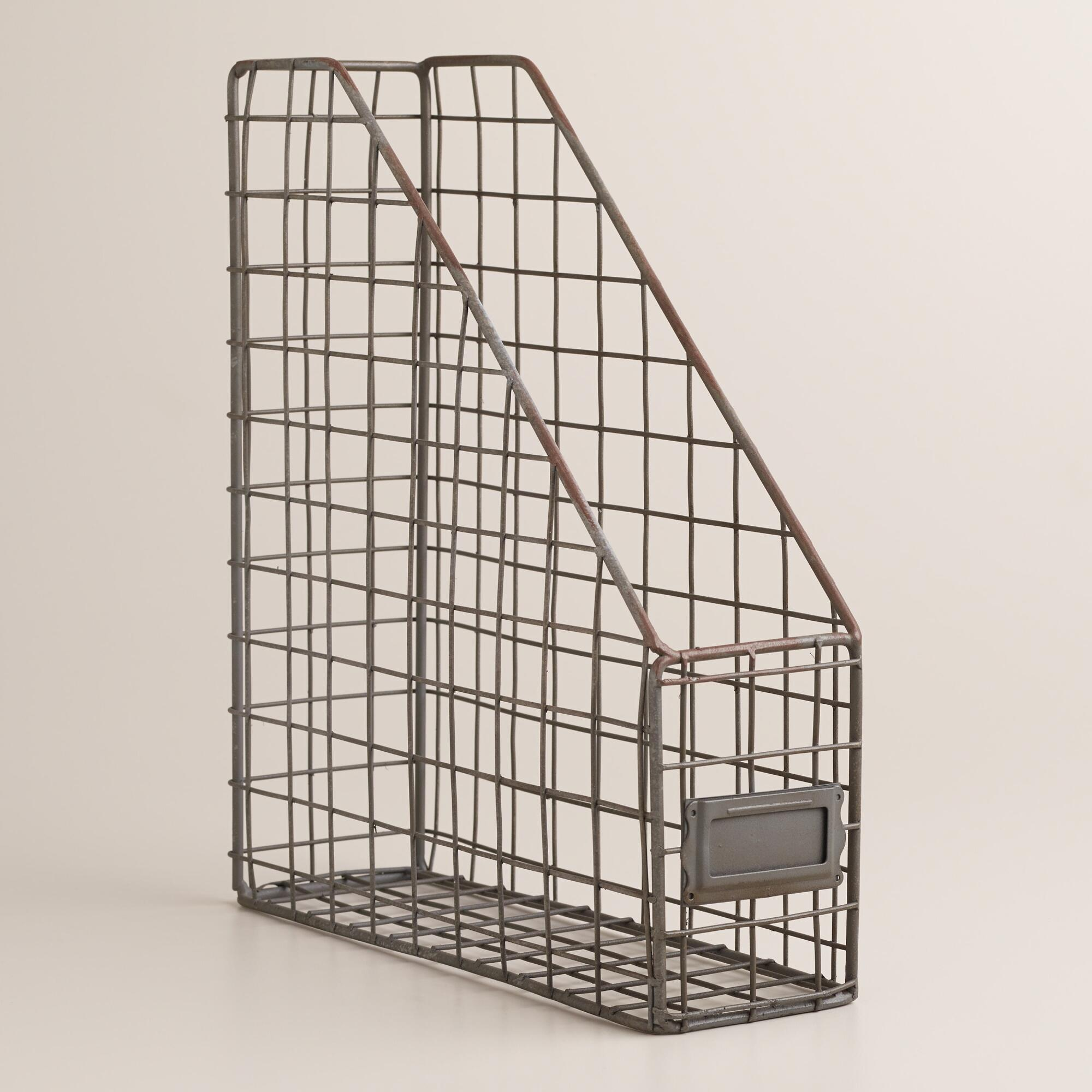 Store your standard-sized magazines, newspapers and periodicals in an attractive, convenient way with the Spectrum Wire Magazine Rack. The rack has a compact design with an open top for easy scanning of contents within/5(12).