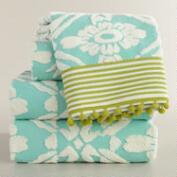 Aqua Sculpted Geo Daisy Bath Towel Collection