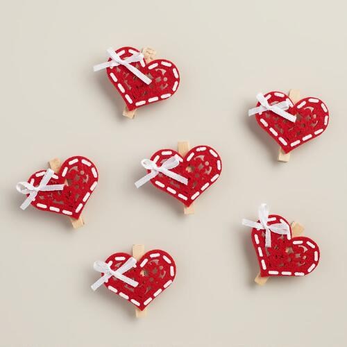 Red Heart Wooden Clips, 6-Pack