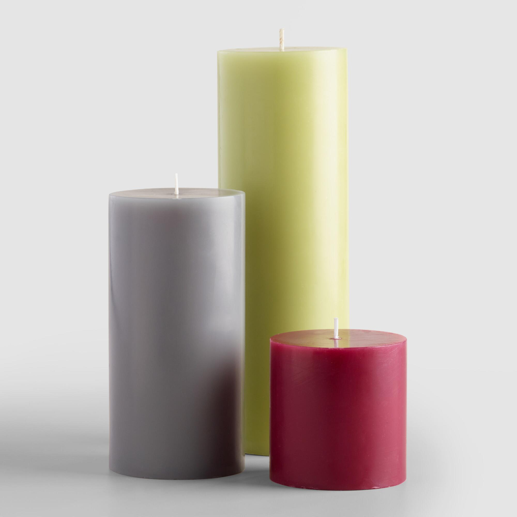 The crimson Hamilton candle is a seventeen wick, unscented decorative Luxury Artisan Candles · Unique & Classic · High Quality & Handmade · Free Shipping AvailableTypes: Outdoor, Citronella, Indoor.
