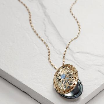 Gold Locket Pendant Necklace