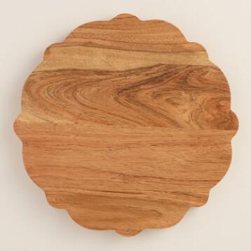 Scalloped Mango Wood Cutting Board