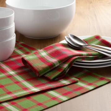 Signature Plaid Table Linen Collection