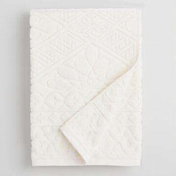 Ivory Madeleine Sculpted Bath Towel