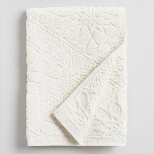 Ivory Madeleine Sculpted Hand Towel