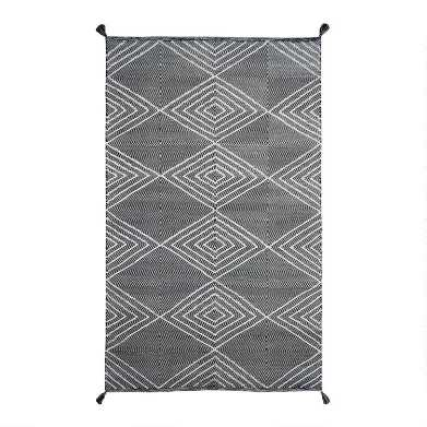 Black and Ivory Diamond Woven Indoor Outdoor Rug
