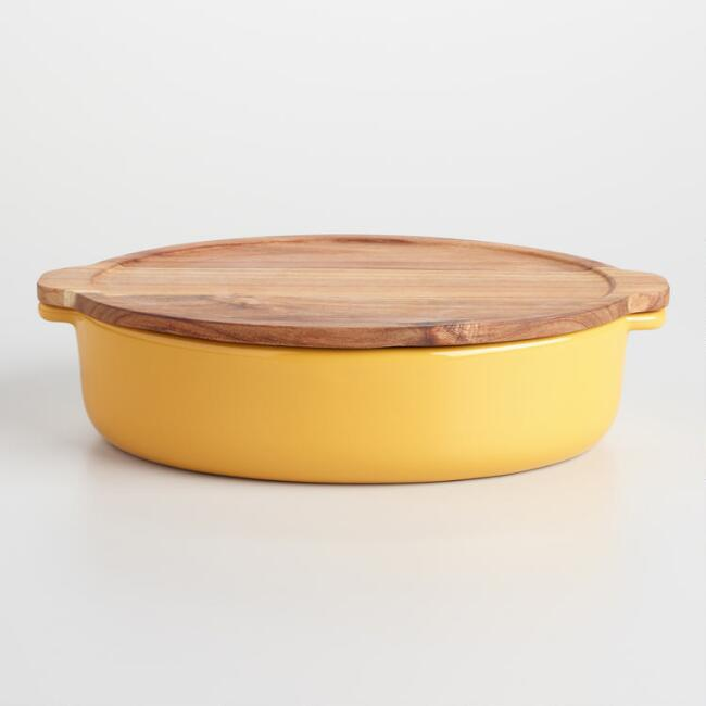 Large Yellow Baker with Oak Wood Trivet Lid