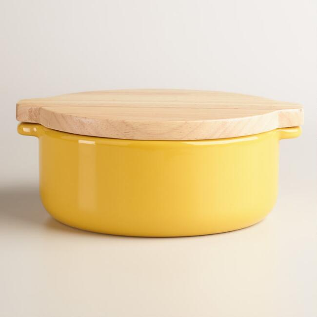 Small Yellow Baker with Oak Wood Trivet Lid