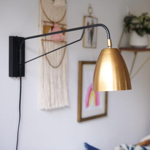 Br Nook Pivoting Wall Sconce