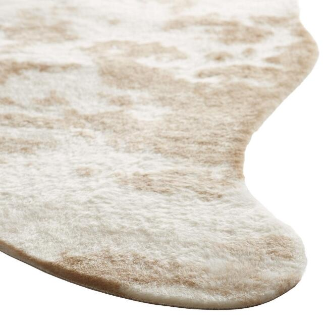 farmhouse rugs for the living room. -rustic cowhide