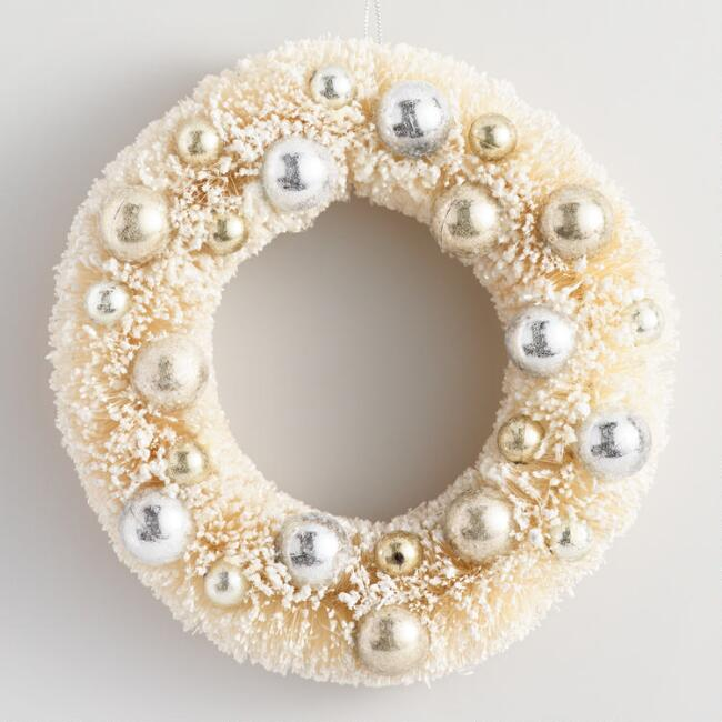 Retro Bottlebrush Winter Wreath