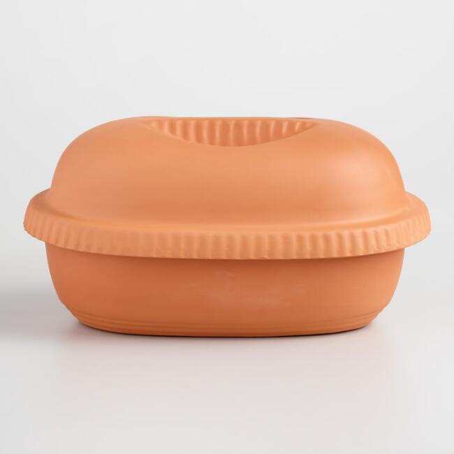 Ribbed Clay Slow Cooker