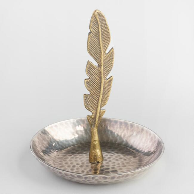 Feather Ring Holder