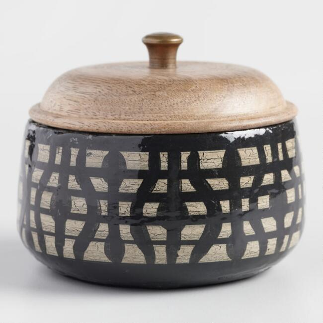 Black Geometric Tobacco Vanilla Terracotta Filled Candle