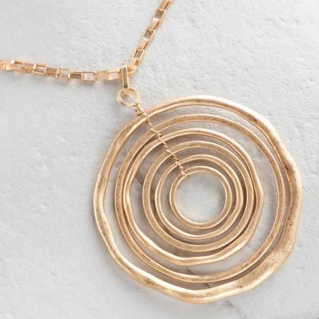 Gold Circles Pendant Necklace
