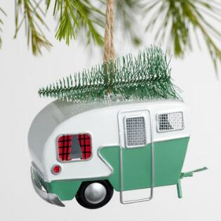 retro metal trailer with tree ornaments set of 2