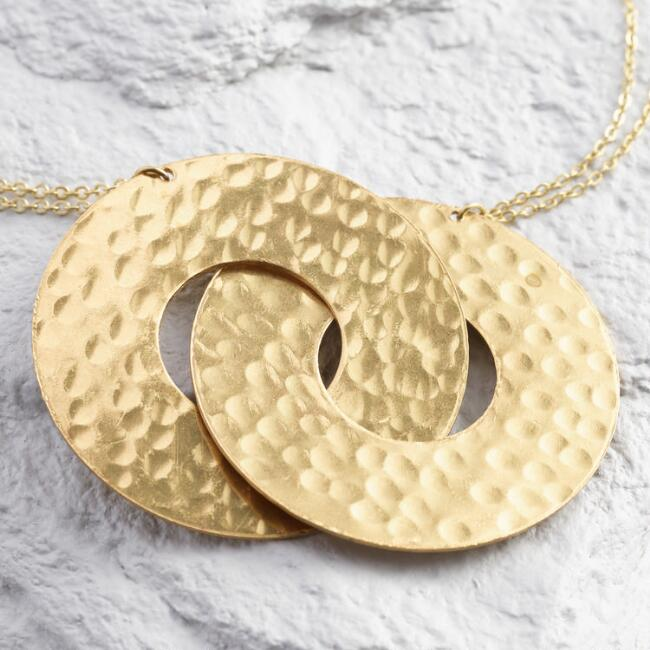 Gold Interlocking Circles Pendant Necklace