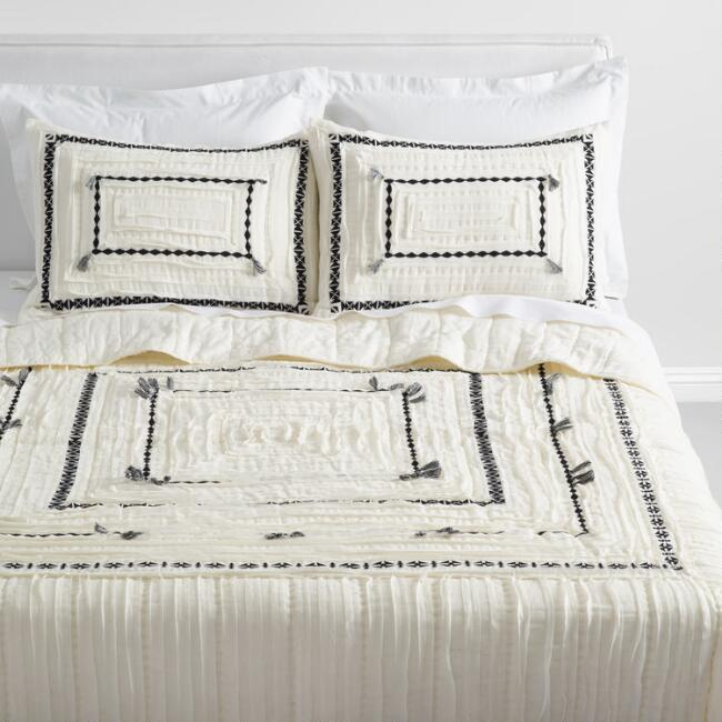 Ivory and Black Geometric Geeta Bedding Set