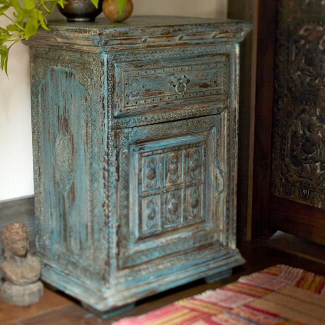 Jodhpur Wooden Bedside Table